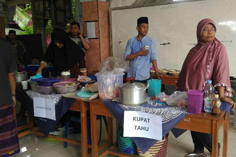 Usaha para nasabah BWM Amanah Berkah Nusantara di Ponpes Al Hidayah Karangsuci, Purwokerto. Foto diambil Jumat (6/4/2018).