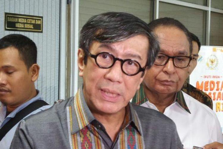 Menteri Hukum dan HAM Yasonna Laoly di Kompleks Parlemen, Senayan, Jakarta, Senin (13/2/2017).