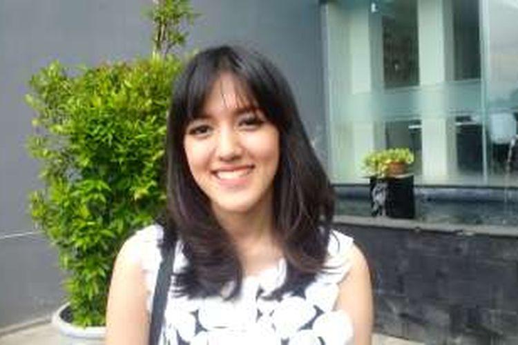 Alyssa Saufika Umari atau Ify Blink diabadikan di Nafarro Park, Pasar Minggu, Jakarta Selatan, Selasa (17/1/2017).
