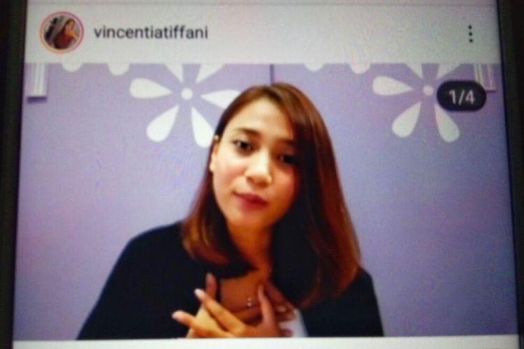 Foto Vincentia Tiffani dari video klarifikasi di instagram pribadinya terkait pertanyaanya diacara peluncuran Rumah Siap Kerja dan Pelatihan OK OCE di Sleman.