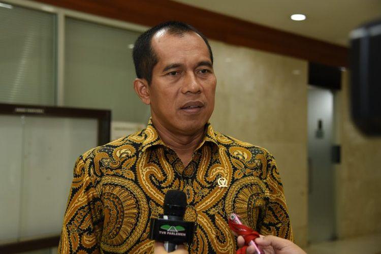 Ketua Komisi I DPR RI Abdul Kharis Almasyhari apresiasi langkah Kemenlu terkait keberhasilan proses evakuasi sebanyak 47 Warga Negara Indonesia (WNI) di Bandara Hongkong.