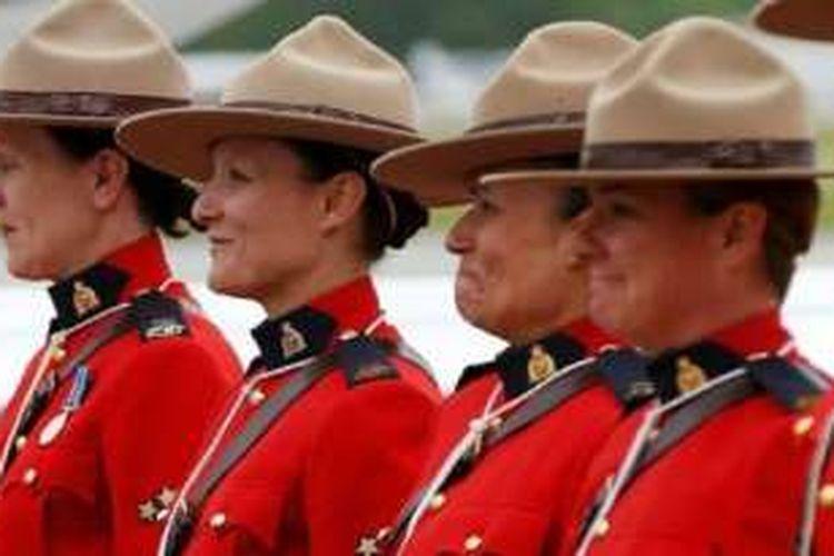 Seragam the Mounties nyaris tidak pernah berubah sejak dua abad lalu.