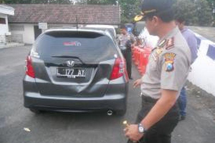 Mobil Honda Jazz milik APT, anak perwira polisi, yang menabrak belasan siswa SMA Hang Tuah II, Gedangan, Sidoarjo.