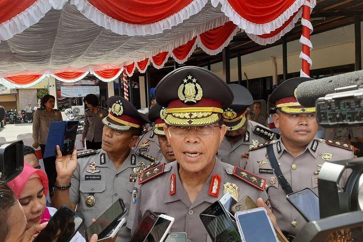 Kapolda Maluku, Irjen Pol Royke Lumowa saat diwawancarai wartawan di Kantor Polresta Pulau Ambon, Senin (18/11/2019)