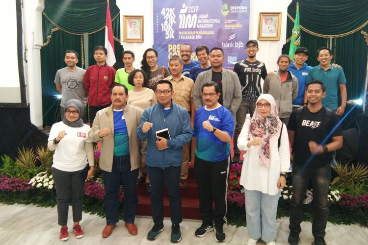 Gubernur Jawa Barat Ridwan Kamil saat hadir dalam konferensi pers Jabar Internasional Marathon di Gedung Sate, Jalan Diponegoro, Rabu (30/10/2019).