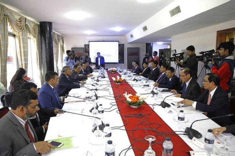 Perwakilan pemerintahan Myanmar bertemu dengan wakil pemerintahan Bangladesh di Dhaka, Selasa (19/12/2017), membahas penyelesaian kesepakatan pemulangan pengungsi Rohingya yang akan dimulai Januari 2018.
