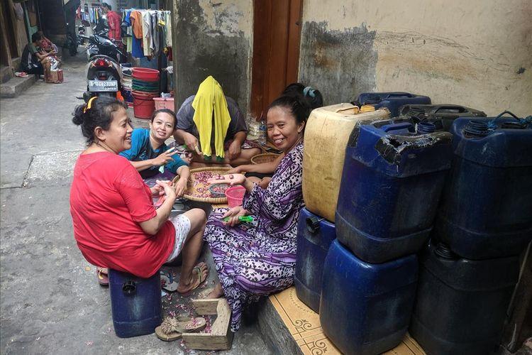 Warga Muara Baru yang Mengaku Kekurangan Air Bersih Sepanjang Tahun