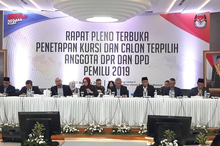 Rapat pleno terbuka penetapan kursi dan calon terpilih anggota DPR dan DPD Pemilu 2019 di Gedung KPU, Menteng, Jakarta Pusat, Sabtu (31/8/2019).