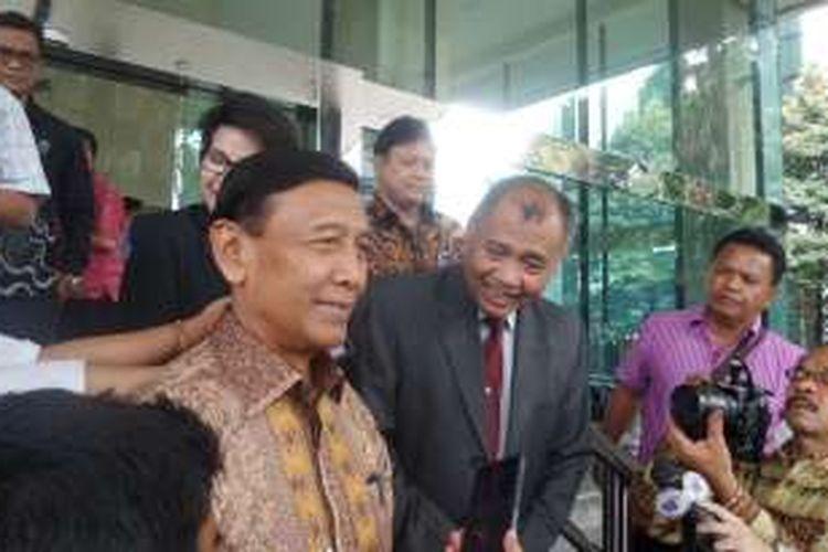 Menko Polhukam Wiranto dan Ketua KPK Agus Rahardjo di Gedung KPK, Jakarta, Jumat (8/10/2016).