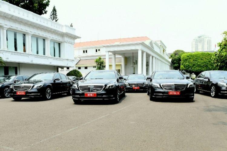 Mobil yang disiapkan untuk tamu negara dan tamu pendukung acara upacara pelantikan Presiden RI dan Wakil Presiden RI
