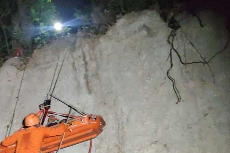 ilustrasi penyelamatan di jurang