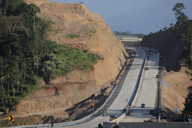 Suasana Ruas Tol Bawen-Salatiga, Jawa Tengah, Jumat (16/6/2017). Ruas tol ini akan dibuka secara fungsional pada H-7 hingga H+7 Lebaran.
