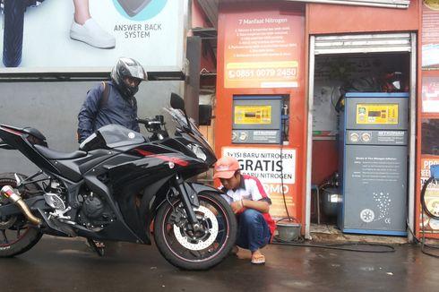 Mengapa Ban Belakang Motor Lebih Cepat Botak?