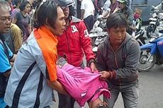 Warga Melihat Penyeberang yang Tertabrak Transjakarta Pakai