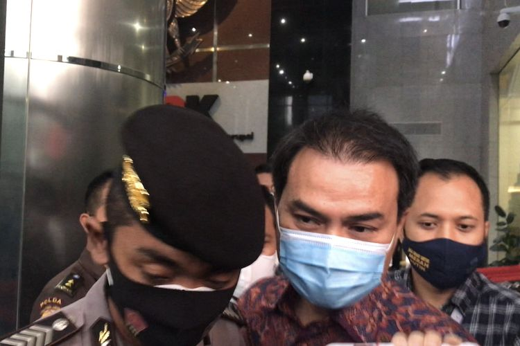 Wakil Ketua DPR Azis Syamsuddin usai memenuhi panggilan Komisi Pemberantasan Korupsi di Gedung Merah Putih KPK, Rabu (9/6/2021)