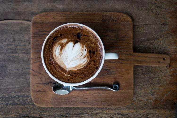 Ilustrasi kopi mocha panas.