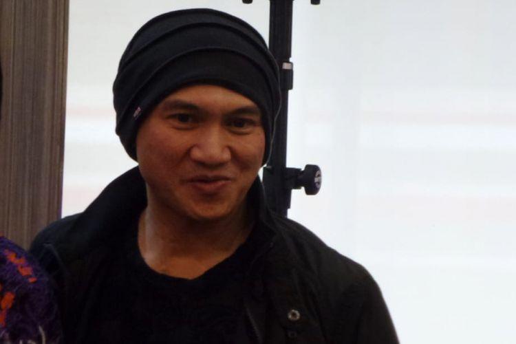Erdian Aji Prihartanto atau Anji menghadiri peluncuran CD album Asian Games: Energy of Asia di kawasan Kemang Raya, Jakarta Selatan, Kamis (19/72018).