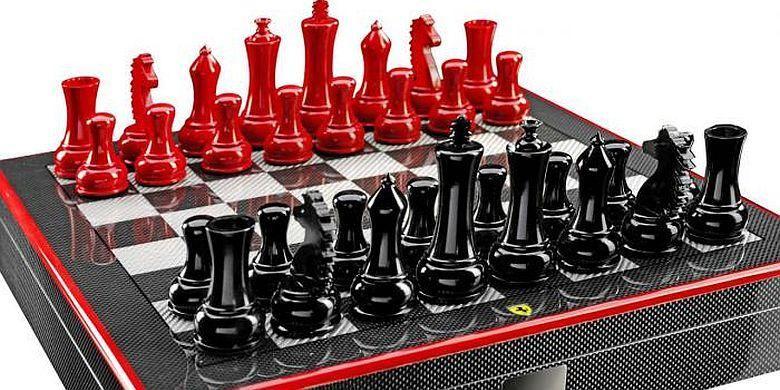 Satu set papan catur Ferrari