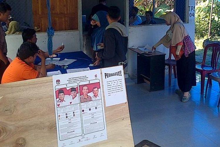 Ilustrasi: Salah satu TPS di Kecamatan Kadia,Kendari terlihat sepi pemilih. Banyak warga yang tidak memiliki formulir C6 atau surat panggil memilih.