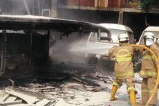 Bus Hangus Terbakar di Kramat Jati