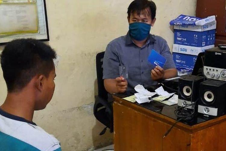 Rendi TNI Gadungan diperiksa di Mapolres Pekalongan Jawa Tengah.