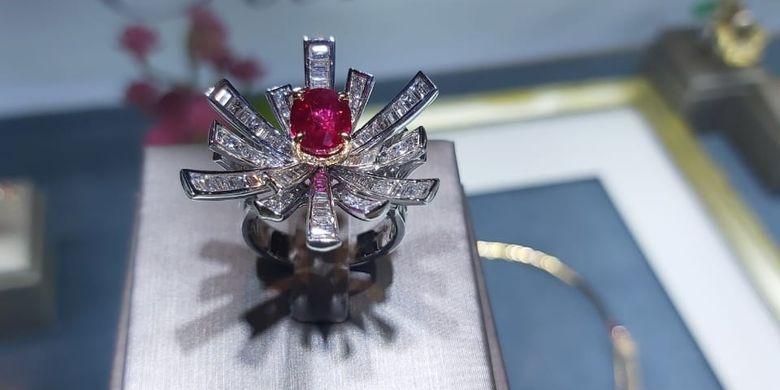 Salah satu perhiasan karya Caratell yang dipamerkan di Jewelux Jakarta pada 5-7 November 2019.