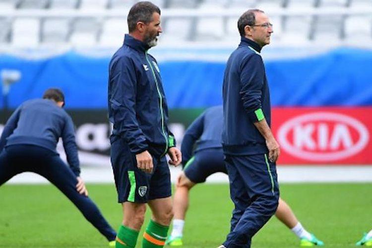 Roy Keane dan Martin ONeill mendampingi tim nasional Irlandia berlatih pada Piala Eropa 2016, Jumat (17/6/2016).