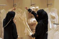 Tidak Pekerjakan Perempuan Saudi, Toko Pakaian Dalam Ditutup
