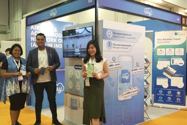 Booth Airy yang mempromosikan layanan Airy Syariah dalam sesi Muslim Travel di pameran industri travel Internasionale Tourismus-Borse (ITB) Asia di Marina Bay Sands Expo and Convention, Singapura, Kamis (17/10/2019).