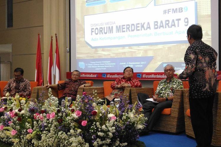 Pemerintah memprioritaskan mengurangi ketimpangan ekonomi dan sosial dengan 5 strategi. Paparan strategi itu disampaikan dalam diskusi Forum Merdeka Barat 9 di kantor Kominfo, Jumat (9/8/2017).