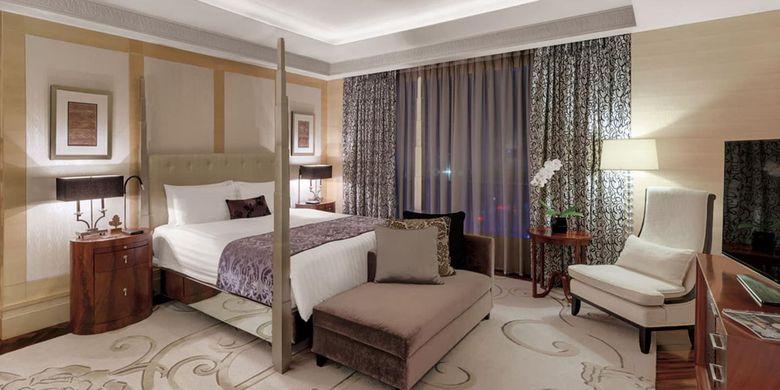 Kamar tidur di Presidential Suite Hotel Indonesia Kempinski.