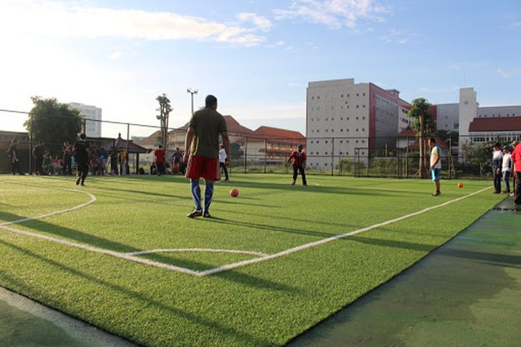 Salah satu lapangan futsal yang ada di kampus C Unair