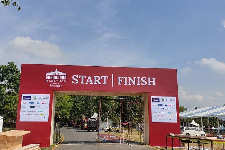Garis Start dan Finish perhelatan Borobudur Marathon 2019 yang akan digelar, Minggu (17/11/2019) di kawasan Taman Lumbini, Candi Boroburud, Magelang, Jawa Tengah.