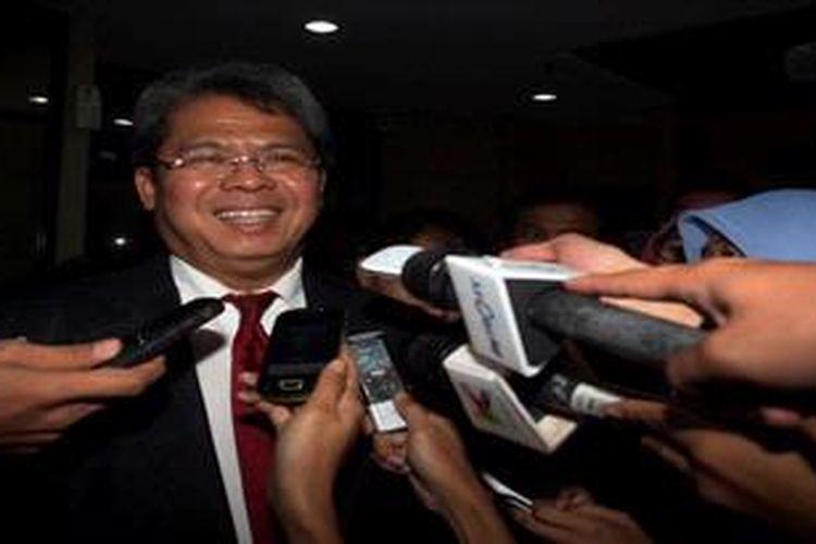 Todung Mulya Lubis di Komisi Pemberantasan Korupsi (KPK), Jakarta, Kamis (25/4/2013).