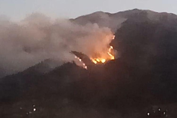 Suasana saat kebakaran di Merbabu, Magelang, jateng.