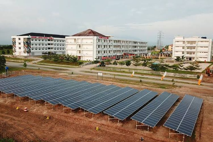 SUN Energy mendukung Institut Teknologi Sumatera (Itera) Lampung melakukan pembangunan PLTS di lahan sekitar 1 hektar dengan kapasitas energi mencapai 1 MW (mega watt) untuk pengadaan kelistrikan kampus sekaligus laboratorium.