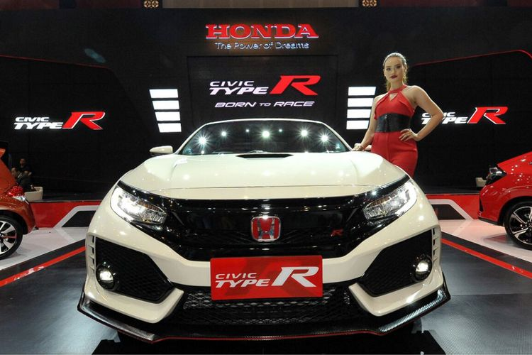 Honda Civic Type R dikenalkan di Surabaya. Harga tembus Rp 1 miliar.