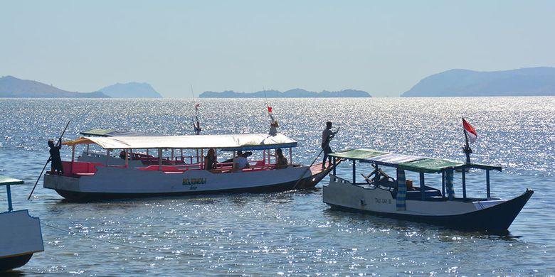 Pemandangan alam di bagian utara dari Kota Labuan Bajo diabadikan dari Pantai Rangko, Kecamatan Komodo, Kabupaten Manggarai Barat, Flores, NTT, Jumat (26/7/2019). Obyek wisata pantai utara perlahan-lahan menjadi tujuan wisata baru di Pulau Flores.
