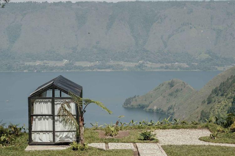 Panorama Danau Toba dilihat dari The Kaldera.
