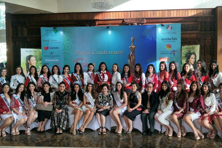 39 finalis Puteri Indonesia yang datang dari 34 provinsi dalam jumpa pers di Grand Sahid Hotel, Sudirman, Jakarta Selatan, Rabu (26/2/2020).