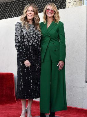 Aktris Julia Roberts ketika menghadiri dedication ceremony di Hollywood Walk of Fame, Los Angeles, 29 Maret lalu.