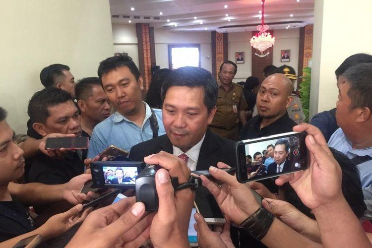 Wakil Gubernur Sulut Steven Kandouw saat diwawancara sesuai rapat paripurna di Kantor DPRD Sulut, Selasa (21/5/2019) sore.