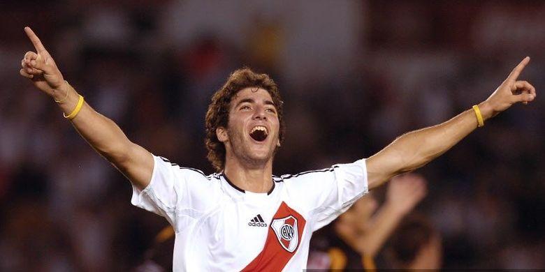 Gonzalo Higuain saat masih berseragam River Plate.
