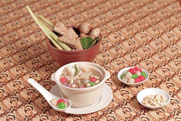 Ilustrasi wedang ronde, minuman herbal khas Jawa Tengah.