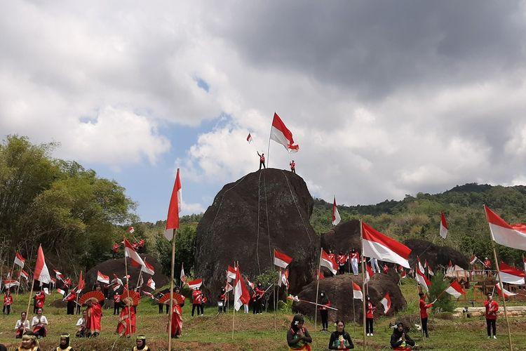 Pengibaran 1000 Bendera Merah Putih di Kawasan Watu Gendong, Ngawen, Gunungkidul Rabu (28/10/2020)