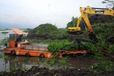 Bersihkan Eceng Gondok Rawa Pening, Kementerian Tambah Harvester