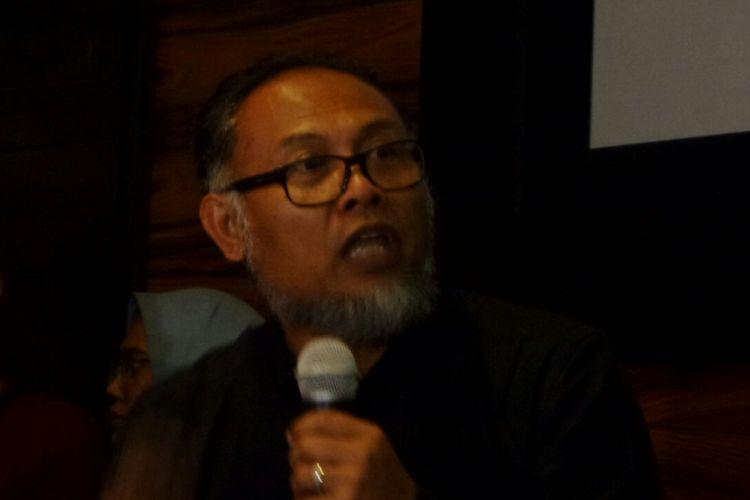 Mantan pimpinan Komisi Pemberantasan Korupsi (KPK) Bambang Widjojanto dalam sebuah acara diskusi di Kemang, Jakarta Selatan, Jumat (10/11/2017).