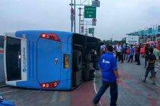 Pihak Transjakarta Selidiki Penyebab Tergulingya Bus di Pulogebang