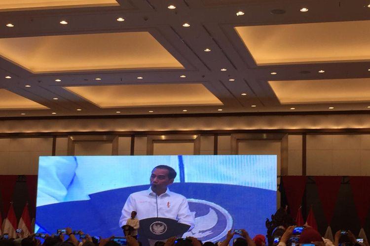 Presiden Joko Widodo membukaKongres 2 Projo di JIExpo Kemayoran, Jakarta, Sabtu (7/12/2019).