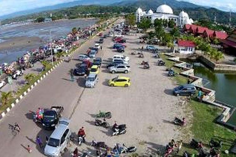 Inilah Pantai Mandra, salah satu pusat wisata di Kolaka, Sulawesi Tenggara.